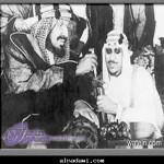 الملك عبدالعزيز وولي عهده آنذاك الأمير سعود