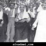 من اليمين الأمير محمد الأحمد السديري ثم نواف بن فواز الشعلان ثم لورنس الشعلان
