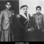 المرحوم جابر الصباح وصباح الاحمد وفي الوسط عزت جعفر 1938